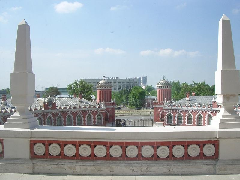 Вид на балкон. Кавалерский зал Петровского дворца