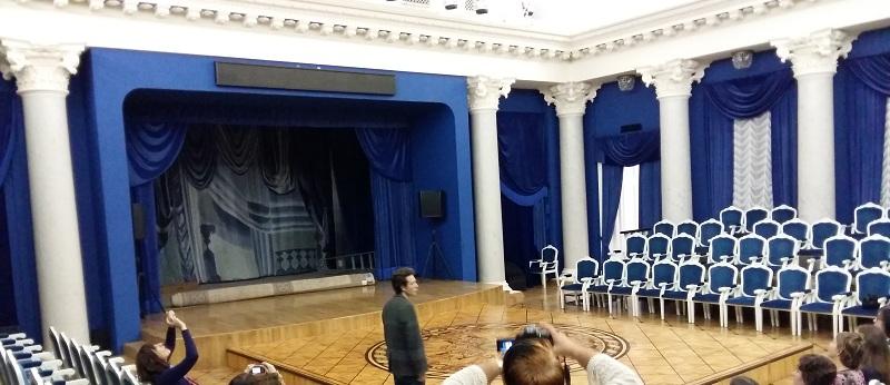 Белоколонный Зал Геликон-оперы