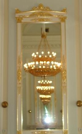 Зеркала во Дворцовой гостиной Петровского замка