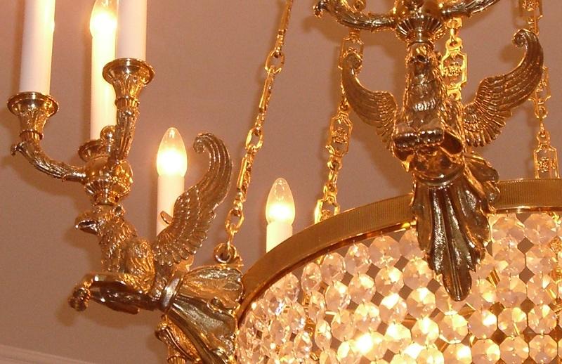 Украшение светильника Петровского замка