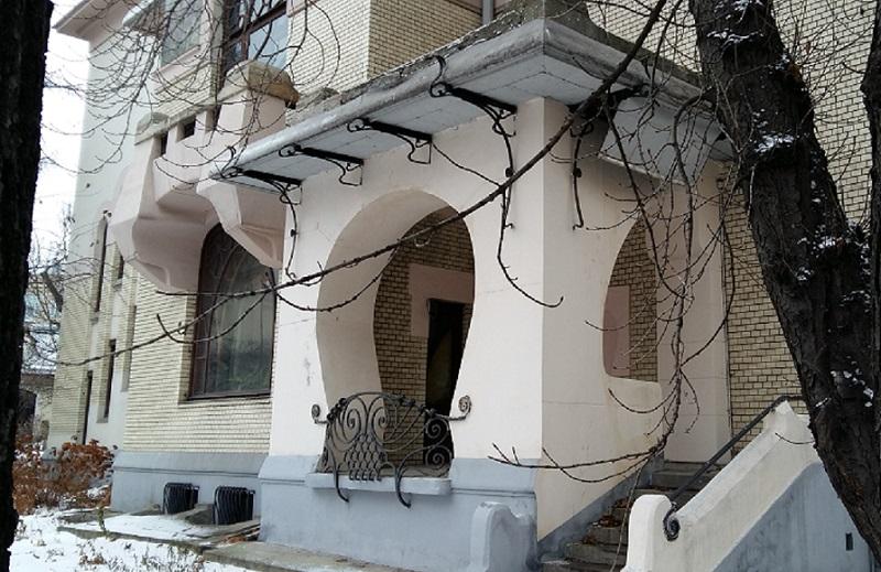Крыльцо бокового фасада особняка Рябушинского С.П.