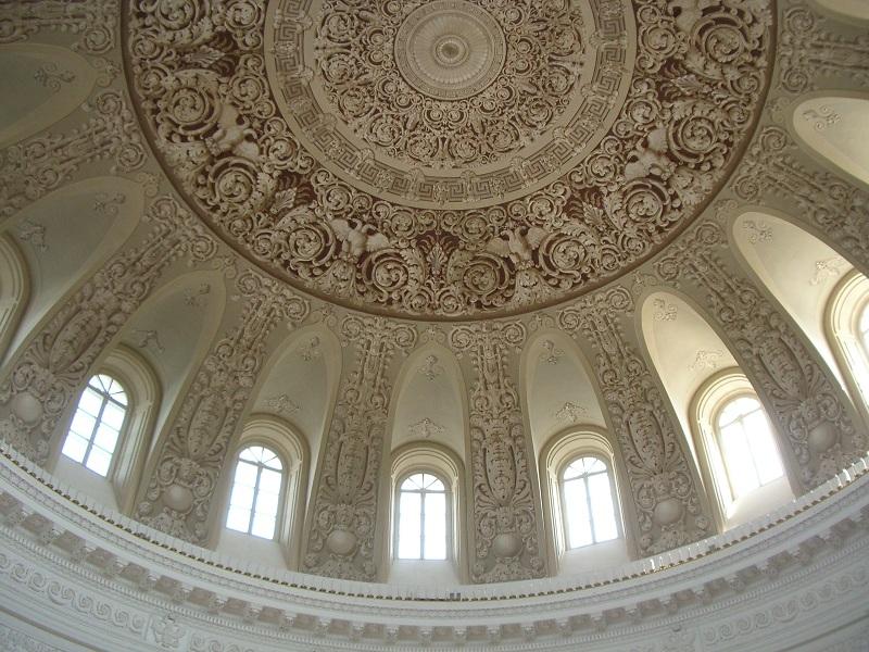 Купольный зал Петровского дворца