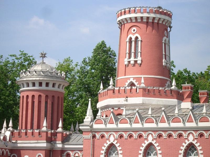Башни Петровского дворца