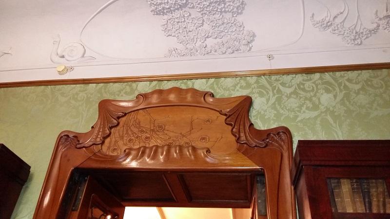 Дверь мужской гостиной особняка Рябушинских