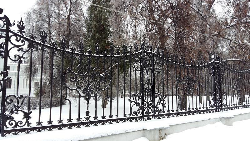 Ограда парка усадьбы Грачева