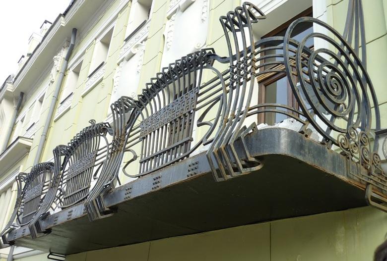 Балкон особняка Смирнова на Тверском бульваре