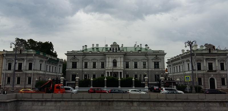 """Особняк """"сахарного короля"""" П.И.Харитоненко, ныне - резиденция посла Великобритании"""