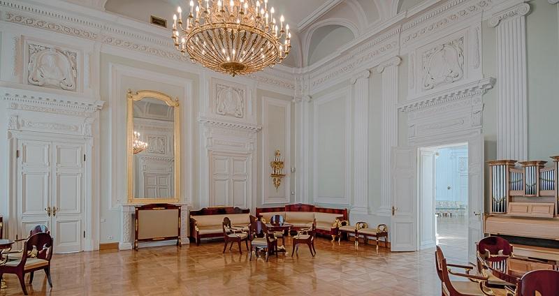 Парковая гостиная Петровского замка