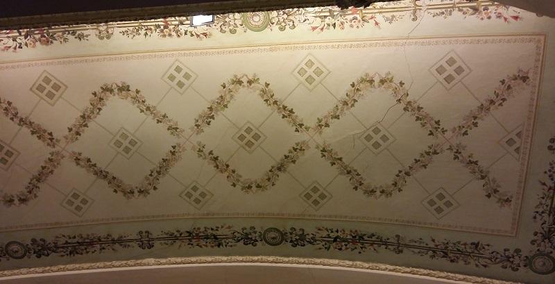 Потолок алькова в Зале театра Пушкина