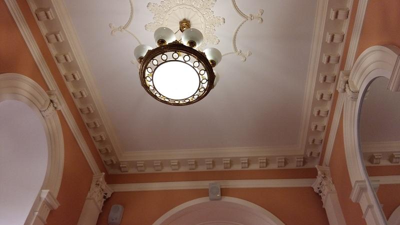 Потолок Лестницы Геликон-опера