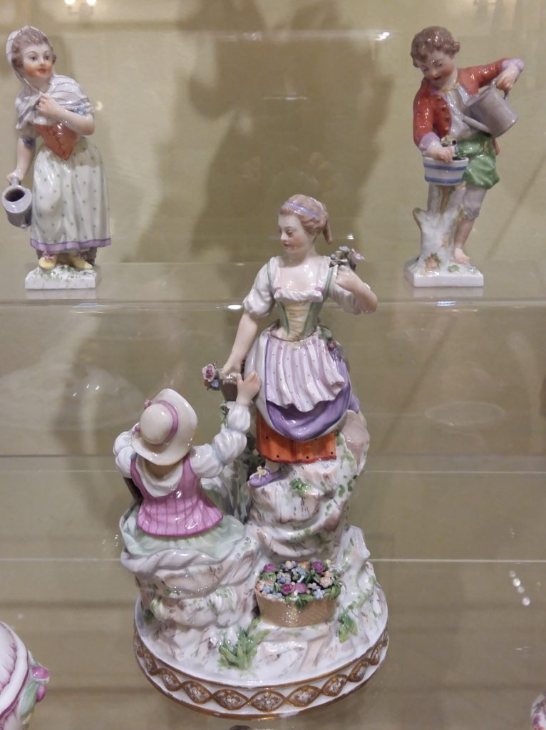 Экспонат музея Строгановского училища